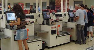 Retailers Turn to Disruptive Technologies to Reduce Costs