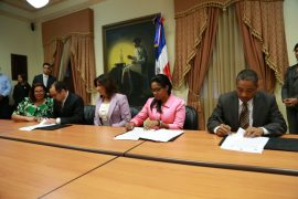 Intellisys, the Cincinnatus Institute of Craftsmanship, and the vice-president of the Dominican Republic sign a partnership agreement to develop talent in the country.