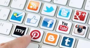 Keyboard-w-Social-Media
